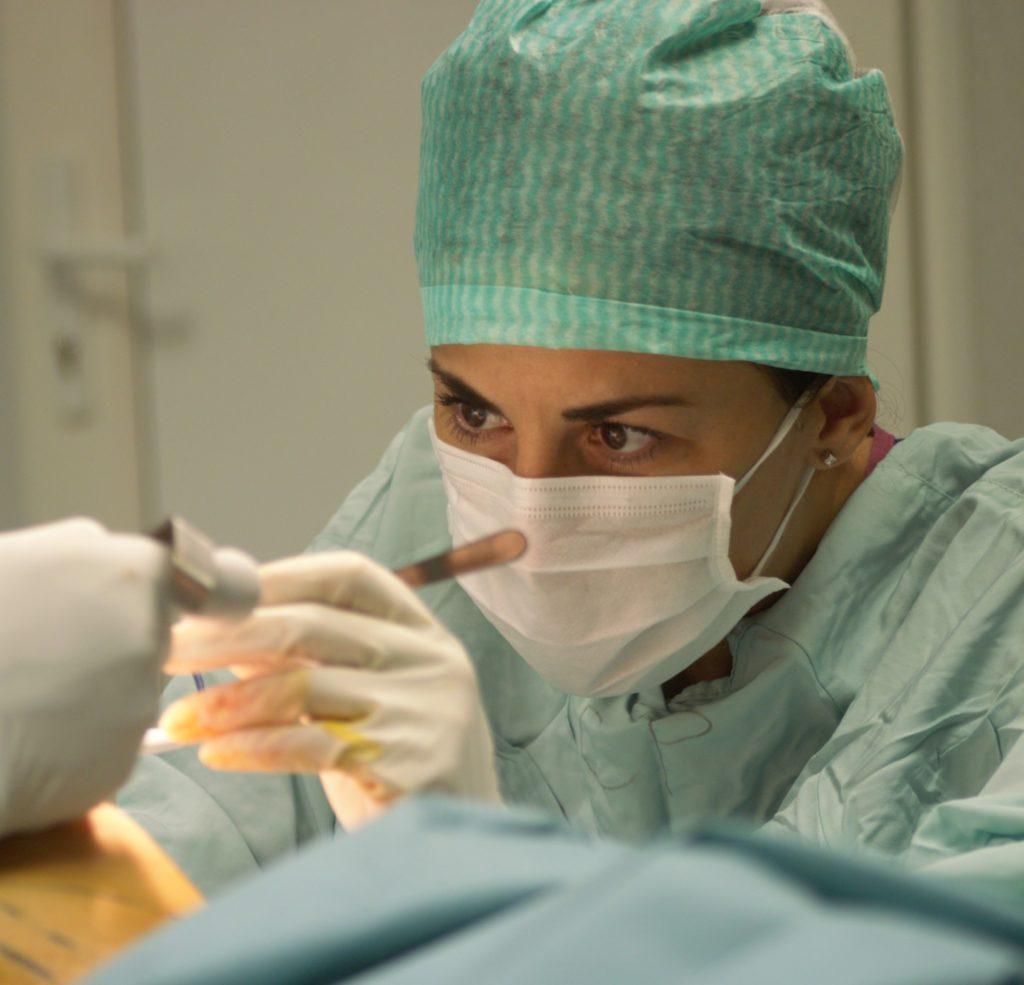 Operatie lipoaspiratie glezne